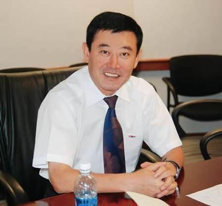 齐树民,内蒙古工学院牧机82班优秀毕业生,现任远东集团董事长兼总裁